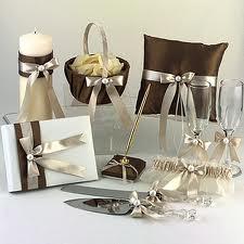 Свадебные аксессуары: фата, перчатки и обувь (рис. 1)